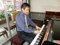 一級ピアノ調律師小林泰浩プロフ...